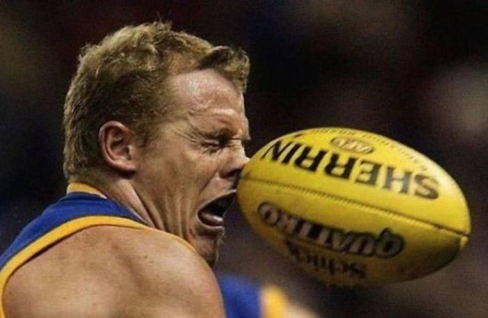عکسهای خنده دار برخورد توپ با صورت