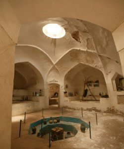 حمام گردی در تاریخی ترین شهر ایران + عکس