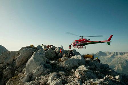 کلبه کوهستانی در آلپ ایتالیا با منظره فوق العاده