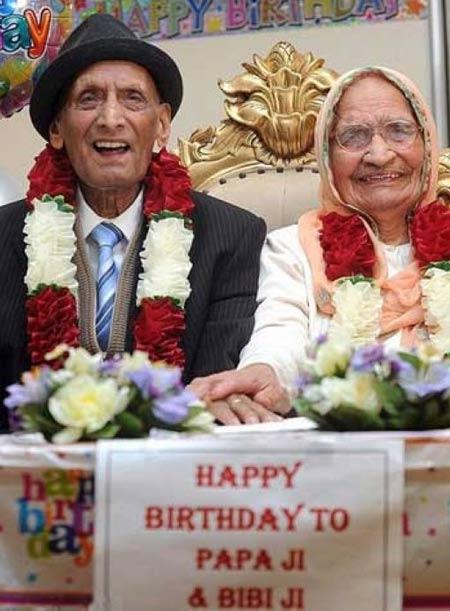 مراسم تولد پیرترین زوج خوشبخت جهان + عکس