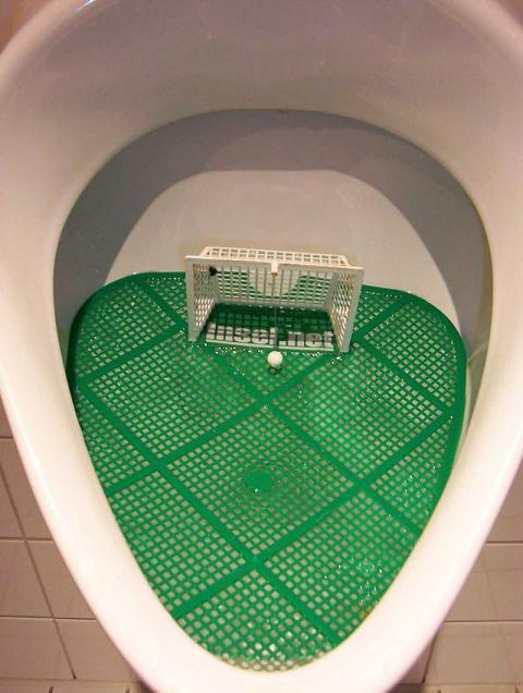 عکس هایی از عجیب ترین دستشویی ها
