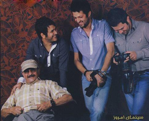عکس های سیاوش خیرابی با پدر و برادرانش