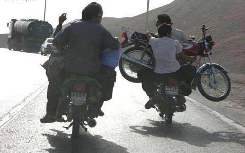 عکسهای خنده دار از سوژه ها و سوتی های ایرانی