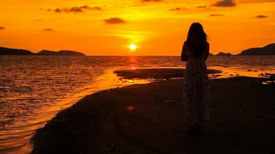 شعر زیبای آفتاب می شود