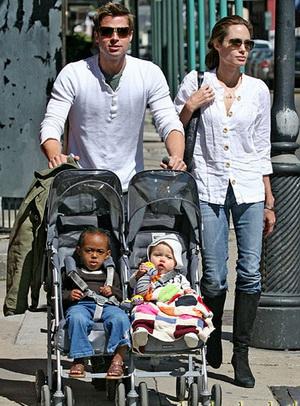 عکس های آنجلینا جولی با خانواده اش در ژاپن