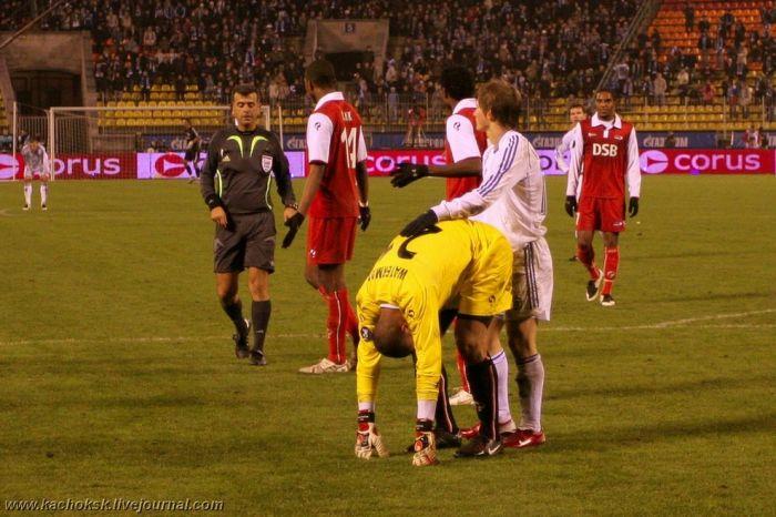 عکسهای خنده دار و دیدنی از حوادث فوتبالی