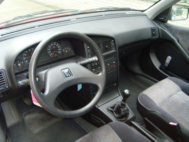 مشخصات خودروی پژو روا