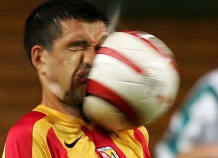 عکسهای جالب از برخورد توپ با صورت