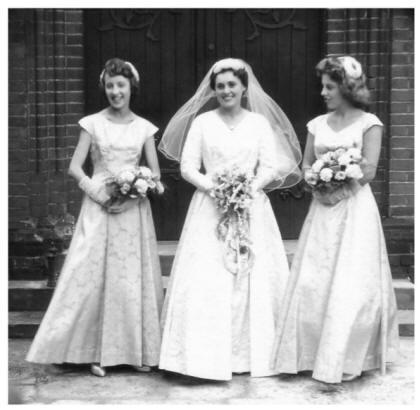تاریخچه لباس عروس + عکس
