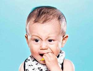 قیافه دیدنی کودکان در هنگام لیمو ترش خوردن