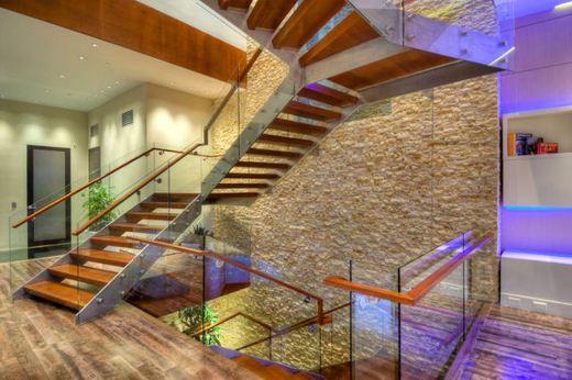 عکس هایی از یک خانه مدرن و شیک
