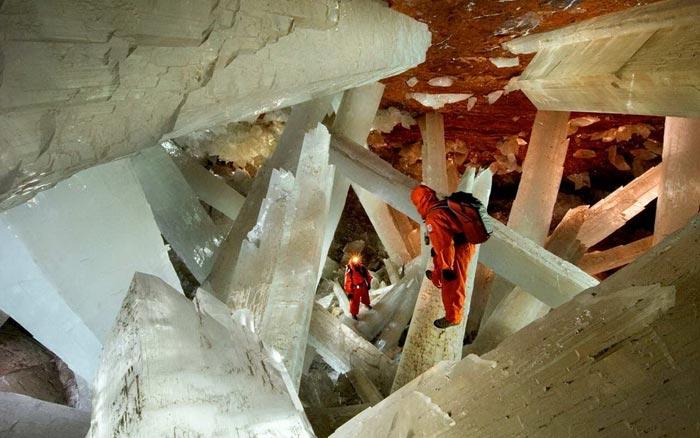 غار حیرت انگیز کریستال ها در صحرای مکزیک (عکس)
