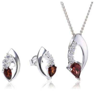 عکس از مدل های زیبای جواهرات کهربایی