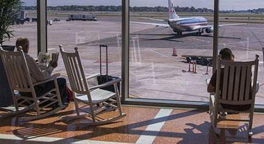 در فرودگاه اینطوری وقت بگذرانید !