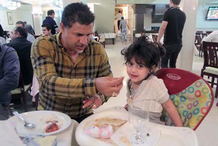 عکس های منتشر شده علی دایی و دخترش
