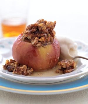 دسر سیب شکم پر با بستنی