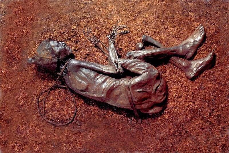 تصاویر اجساد مردان باتلاقی
