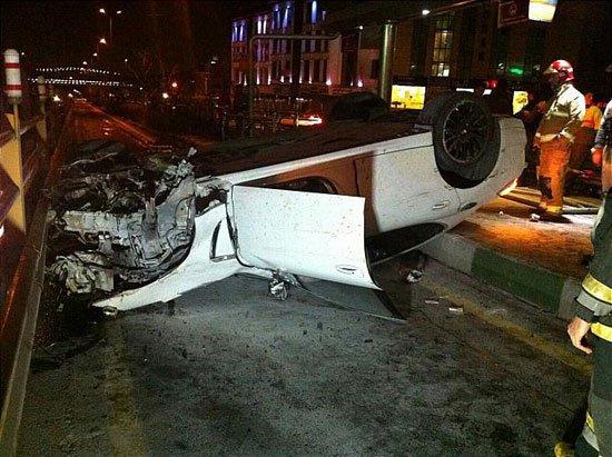 تصادف یک پورشه مدل بالا در در اشرفی اصفهانی !+ عکس