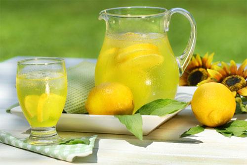 طرز تهیه شربت آب لیموی خنک