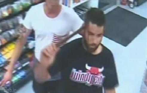 کمک خواستن مردی با میله آهنی در سرش (عکس)