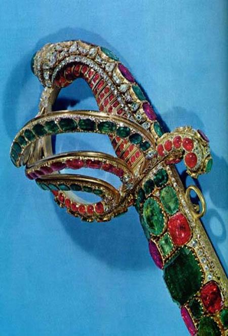 عکس های دیدنی از جواهرات سلطنتی قاجاریه