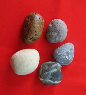 معرفی بازی محلی پنج سنگ