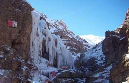 سفری به آبشار یخی آبنیک در شمیرانات تهران + تصاویر