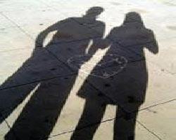 7 علت ارتباط زنان متاهل با پسران مجرد