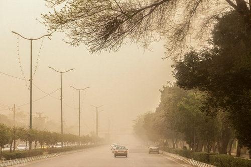تصاویر ناراحت کننده از طوفان خاک در اهواز