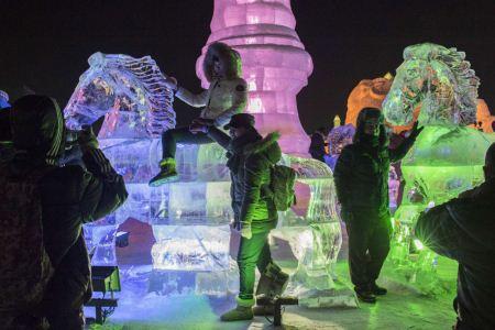 جشنواره یخ و برف در چین (عکس)