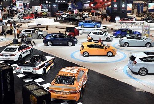 عکس های دیدنی از نمایشگاه اتومبیل های لوکس در شیکاگو