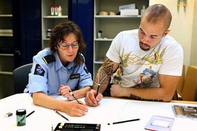 زندانی که شبیه هتل 5 ستاره است + تصاویر