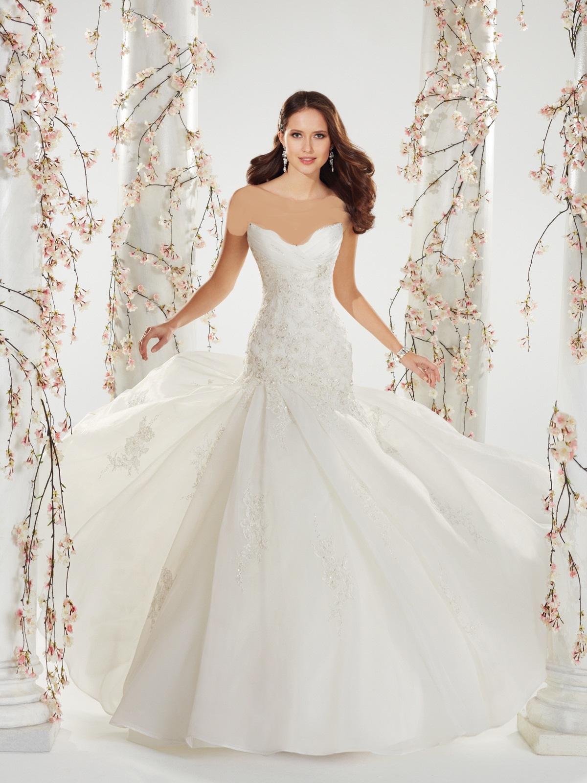 در پرو لباس عروس به این نکات توجه نمایید !