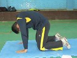 چند حرکت مفید و ساده برای درمان گودی کمر