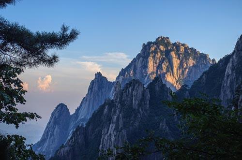 یک منطقه کوهستانی زیبا در چین + تصاویر
