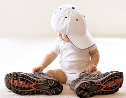 حتما کفشی مناسب برای کودکان نو پا تهیه کنید