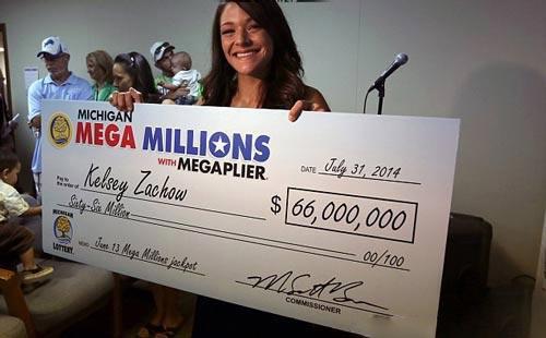 زن 24 ساله برنه 66.000.000 دلاری لاتاری