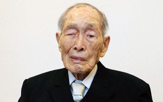 تولد 112 سالگی پیرترین مرد جهان (عکس)