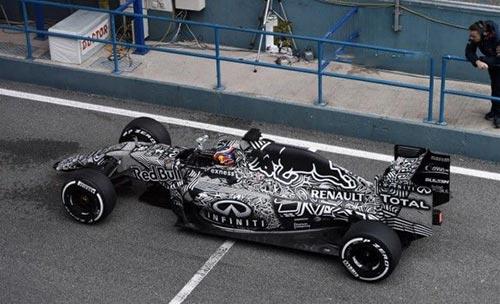 طرح جالب یک خودرو در مسابقات فرمول یک (عکس)