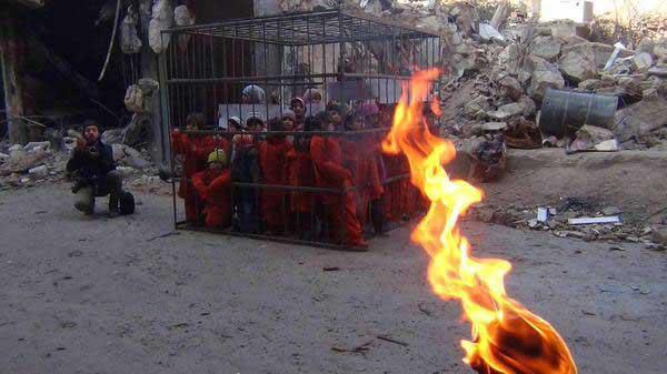 کودکانی که داعش می خواهد درون قفس آتش بزند !+ عکس