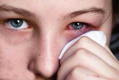 چقدر در آرایش به سلامت چشمان خود اهمیت می دهید ؟