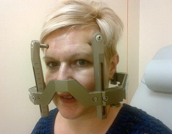 عکس زنی که به خاطر بیماریش روبات شد