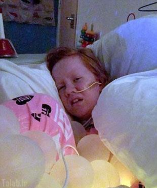 دختری که شبانه روز از دل درد زجر می کشد + عکس