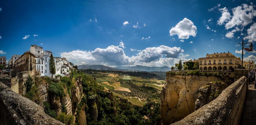 خیره کننده ترین شهرها و روستاهای صخره ای