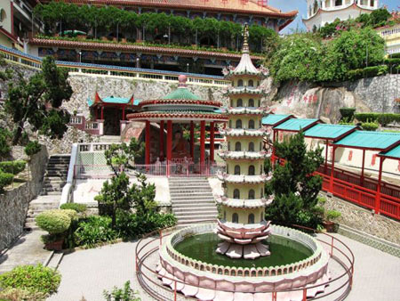 آشنایی با معبد زیبای کک لوک سی مالزی + تصاویر