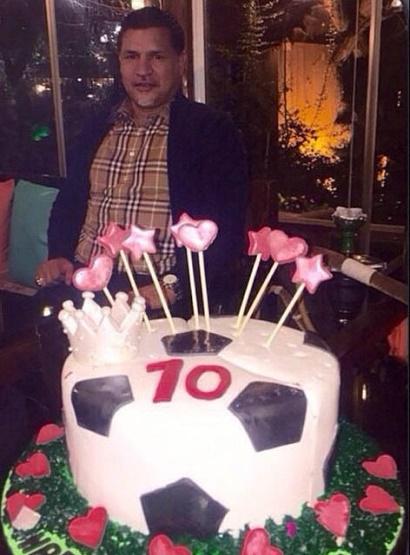 عکسی از کیک تولد 45 سالگی علی دایی