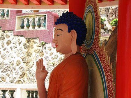 تصاویر معبد زیبای کک لوک سی در مالزی
