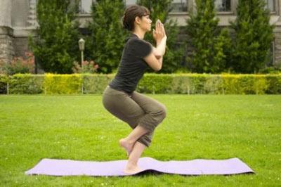 آموزش تصویری حرکات یوگا برای درمان کمر درد