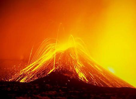 بزرگترین آتش فشان منظومه شمسی + عکس