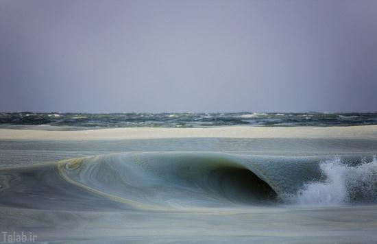 یخ زدن امواج اقیانوس در اثر سرمای شدید هوا